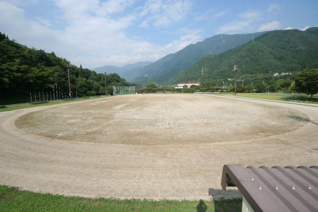 大桑村スポーツ公園