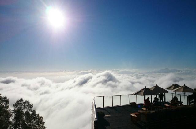 標高1770m sora terraceから雲海を眺める