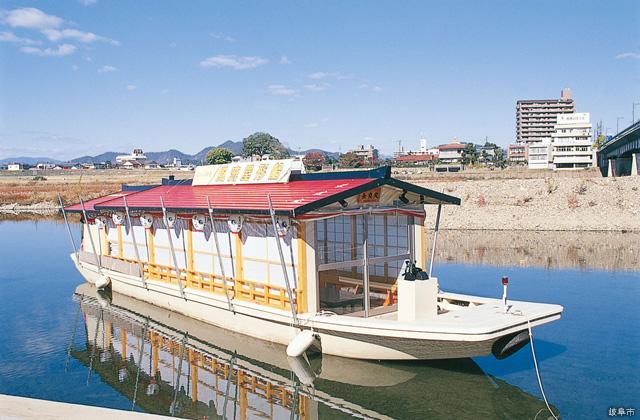 長良川鵜飼観覧船