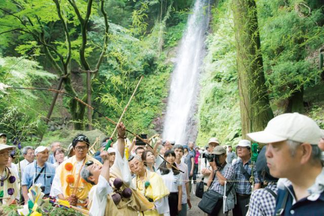 「養老の滝」滝開き式