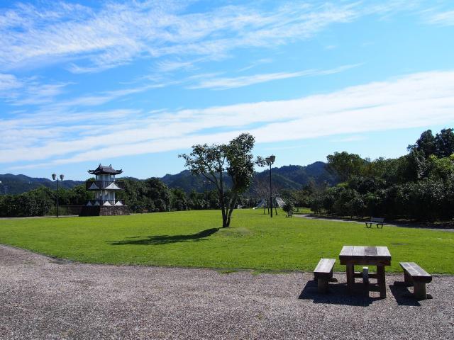 稲葉城公園