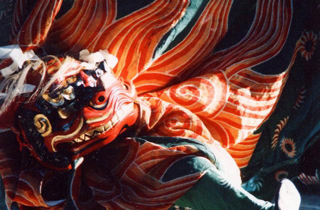 高田神社獅子舞
