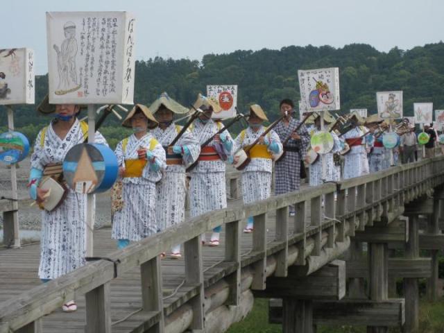 蓬莱橋ぼんぼり祭り