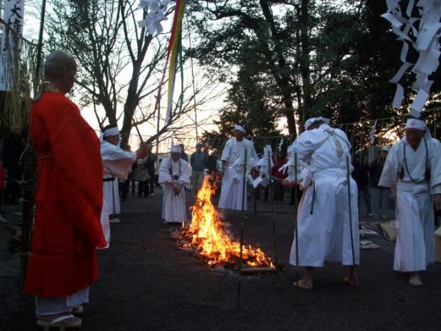 龍江院の火渡り
