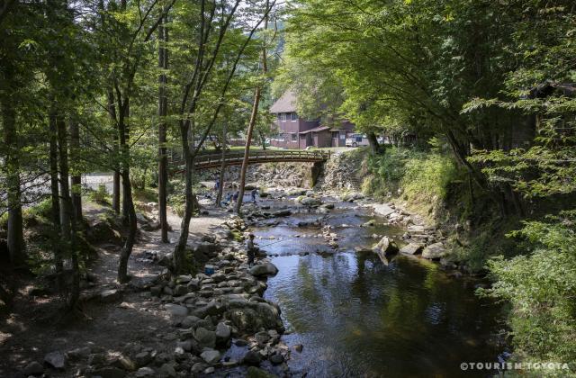 神越渓谷ます釣り場