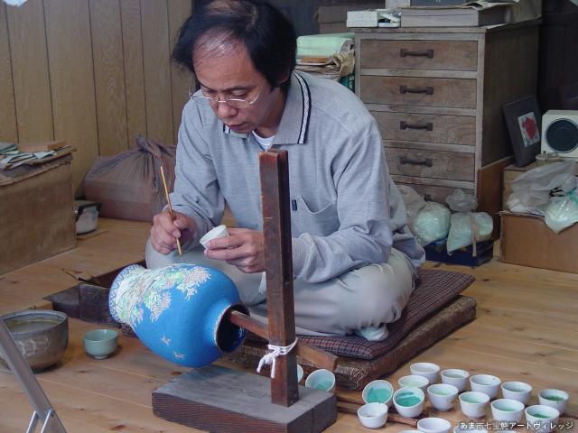 Demonstration (hodokoshiuwagusuri) of craftsman