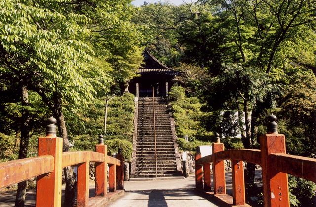 飯福田寺(伊勢山上)