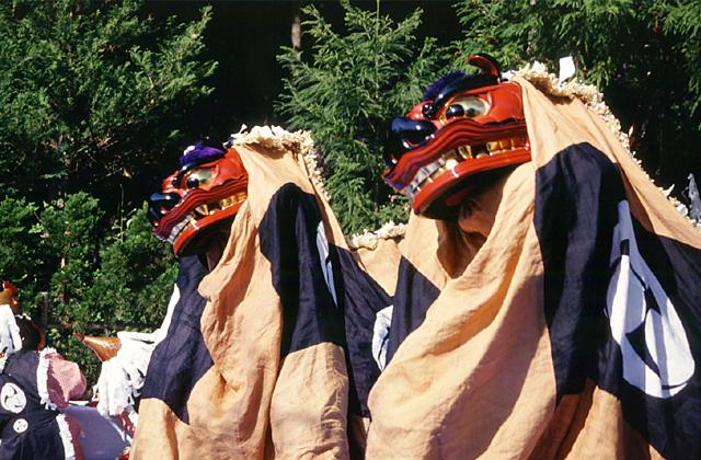 伊奈冨神社の獅子舞