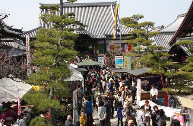 神戸の寝釈迦(かんべの寝釈迦祭り)