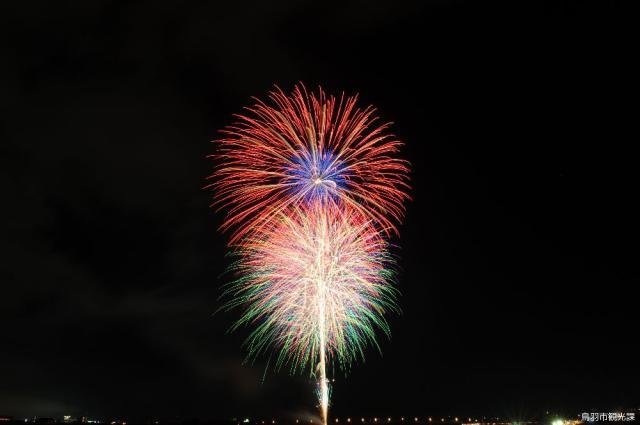 夏の鳥羽湾毎夜連続花火