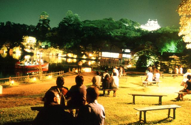 玄宮園 観月の夕べ