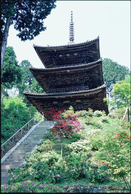 常楽寺三重塔