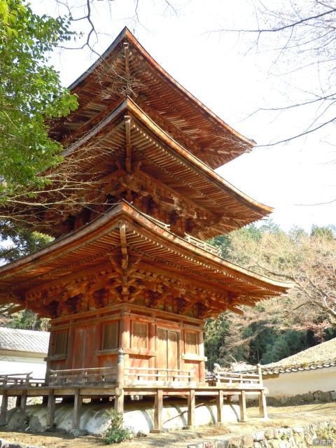 徳源院の三重塔