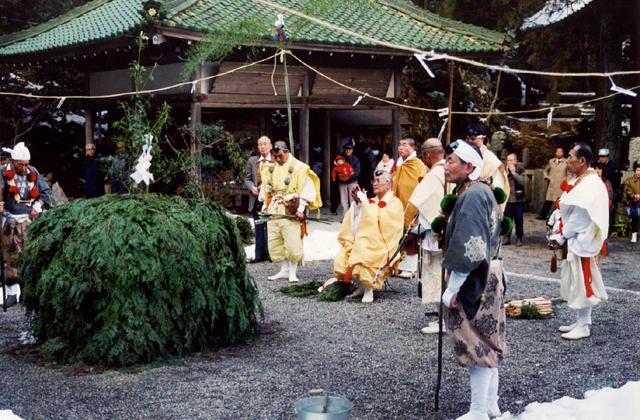 岩尾山息障寺 春の会式