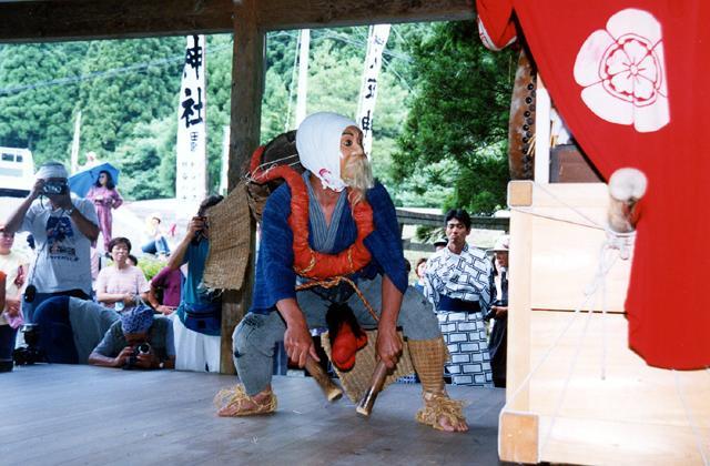 祇園社の神楽(田歌の神楽)