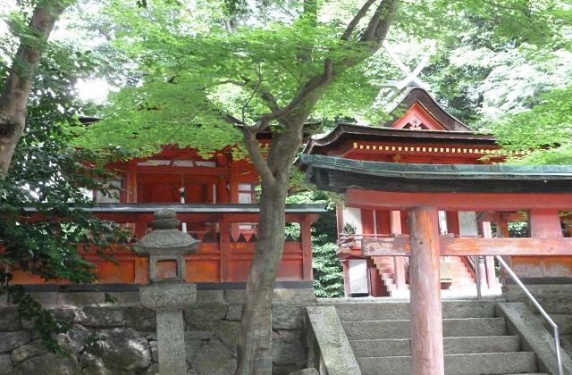 春日・白山神社