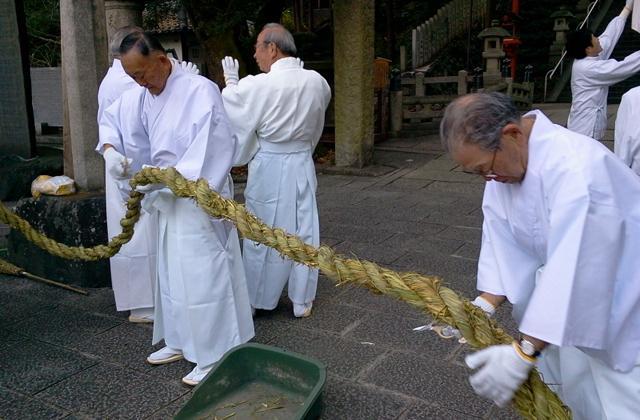 枚岡神社 注連縄掛神事