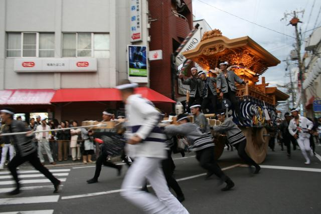阪南市yagura盛裝遊行