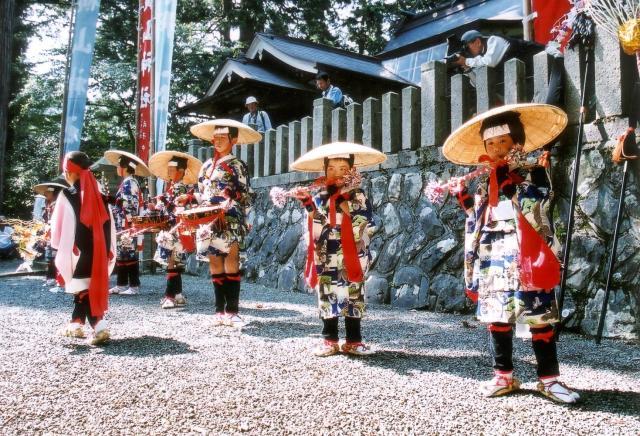 【2020年中止】横山チャンチャコ踊り(横山神社)
