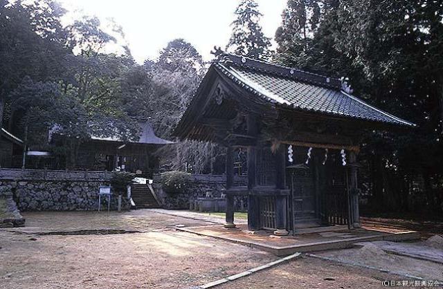 紅深淵神社