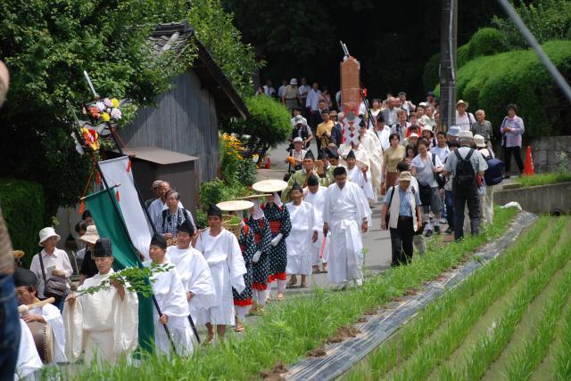 神剣渡御祭(でんでん祭)