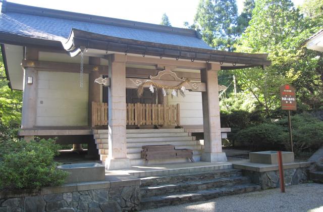 鞆淵八幡神社