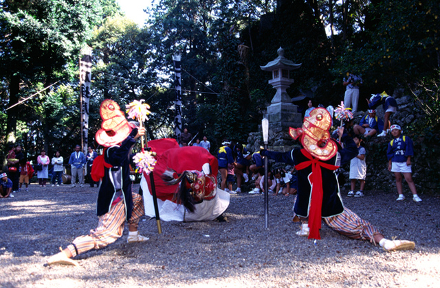 石垣の獅子舞
