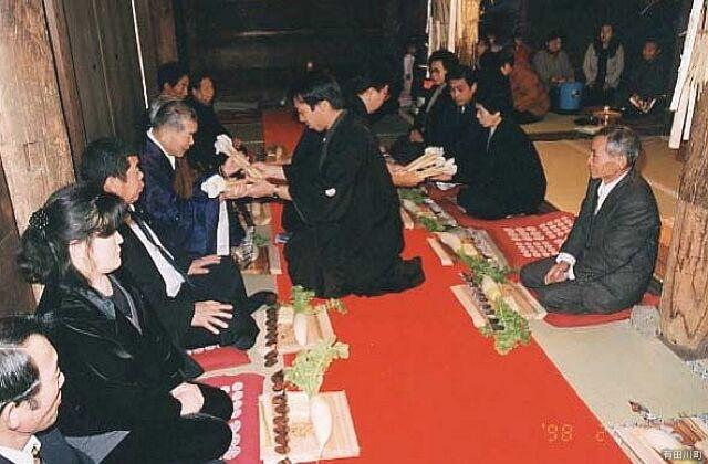 粟生のおも講と堂徒式
