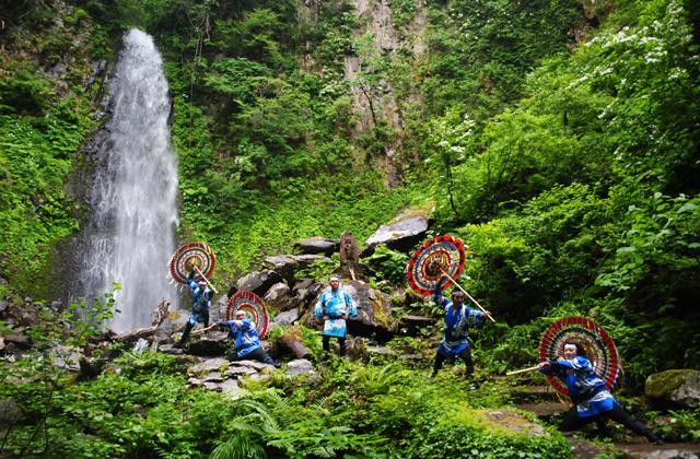「雨滝」滝開き祭