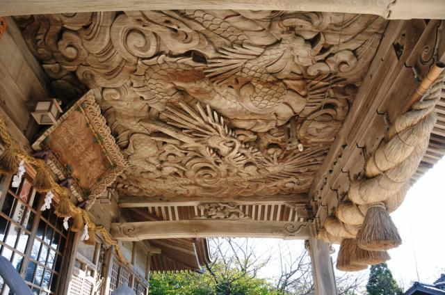 神崎神社 向拝殿 龍の彫刻