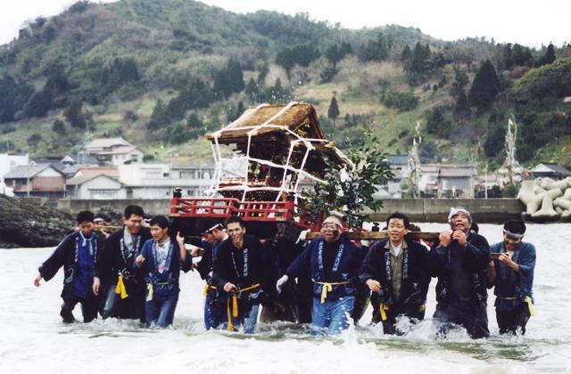 【2021年は地元の方のみでの神事のみ】片江の墨付祭