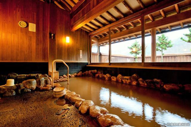 加田の湯 岩風呂
