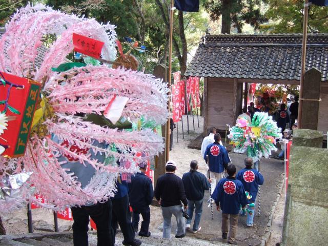 阿波八幡神社花祭り