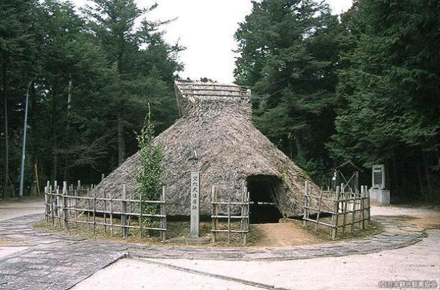 諏訪神社院內彌生式住房遺跡