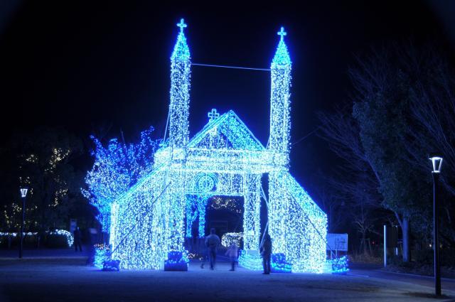 12月、山口市はクリスマス市になる。