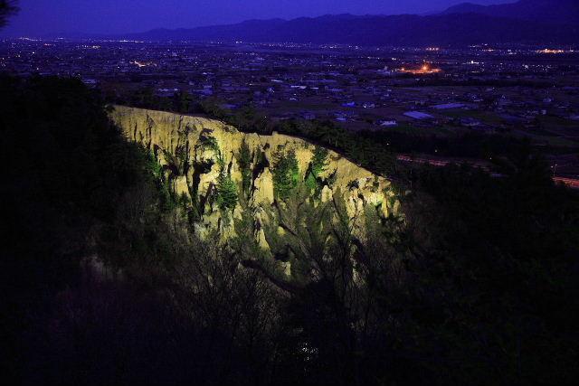 阿波の土柱(夜)