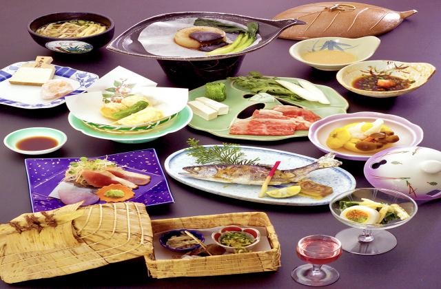 和の宿 ホテル祖谷温泉(郷土料理)