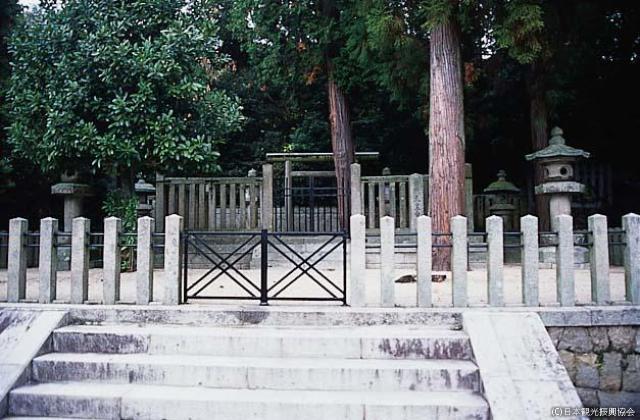 Shiromine tomb★37203af2170019687
