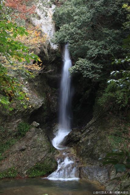 虹の滝(香川県三木町)