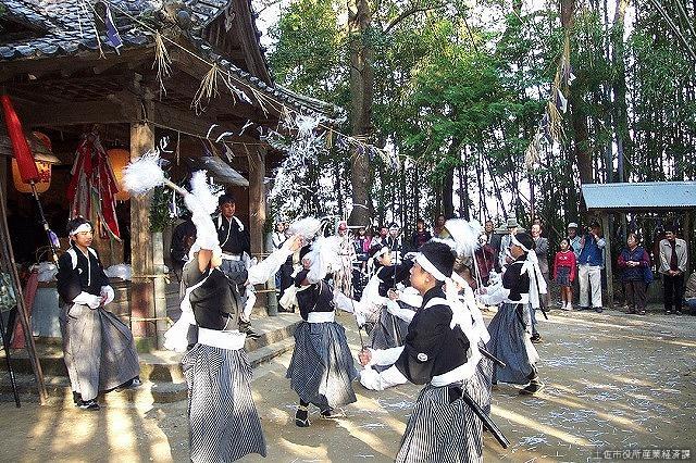 西ノ宮八幡宮秋祭(蓮池太刀踊り)