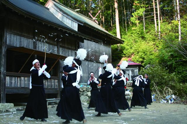 四ツ白の太刀踊