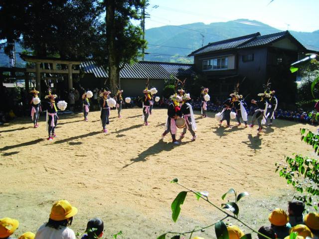 花取り踊り(高知県佐川町)