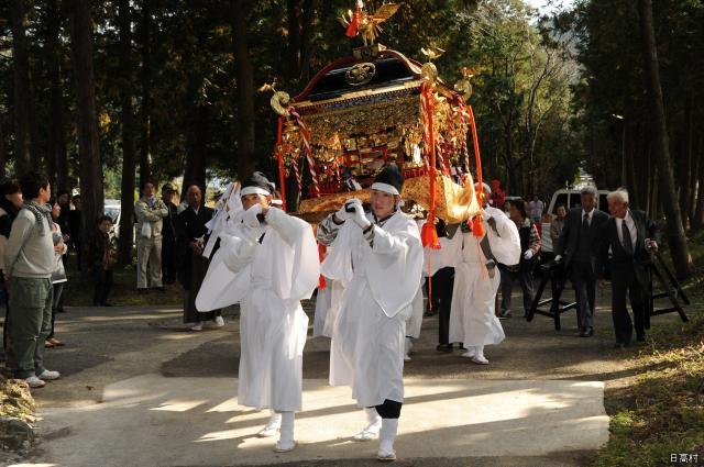 小4神社秋季節日