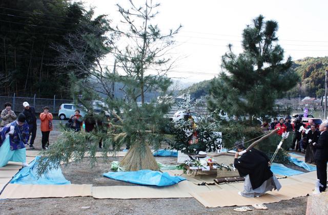 井手浦の尻振り祭