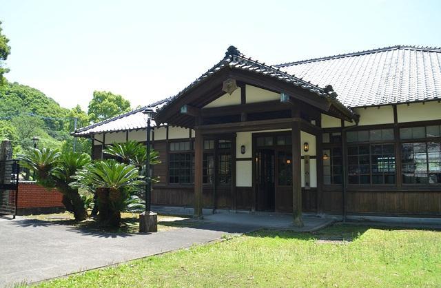 旧三角簡易裁判所(法の館、伝統...