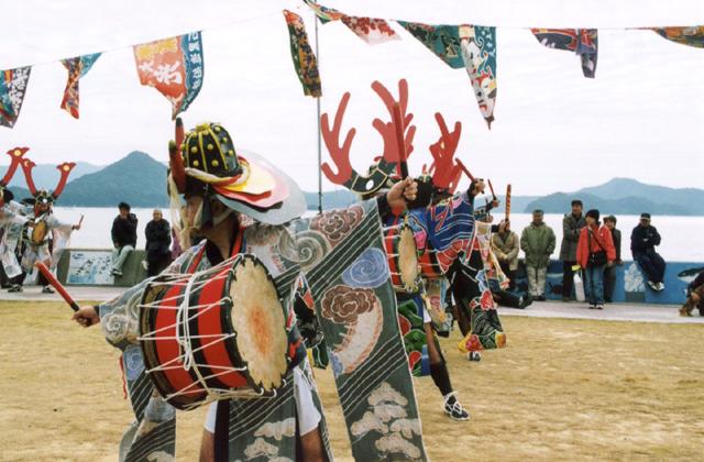 伏間田の臼太鼓踊り