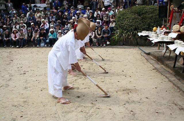 桧原マツ(御田植祭)