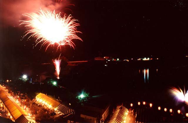 耶馬溪湖畔祭り