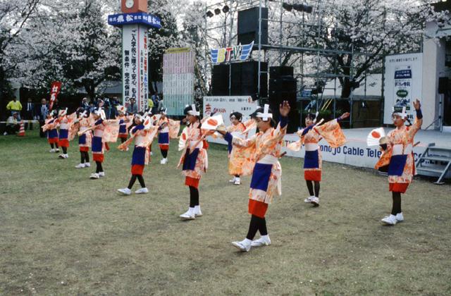 奴踊り(菓子野町)