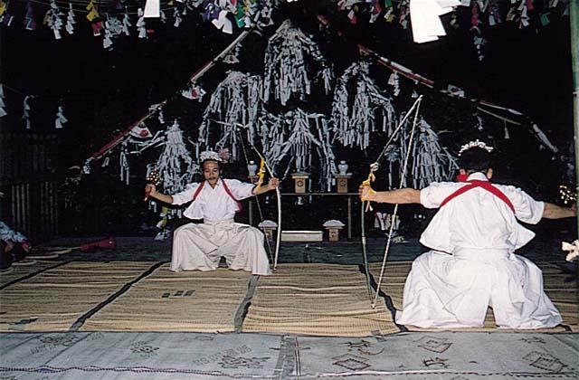 日向国一之宮都農神社冬まつり